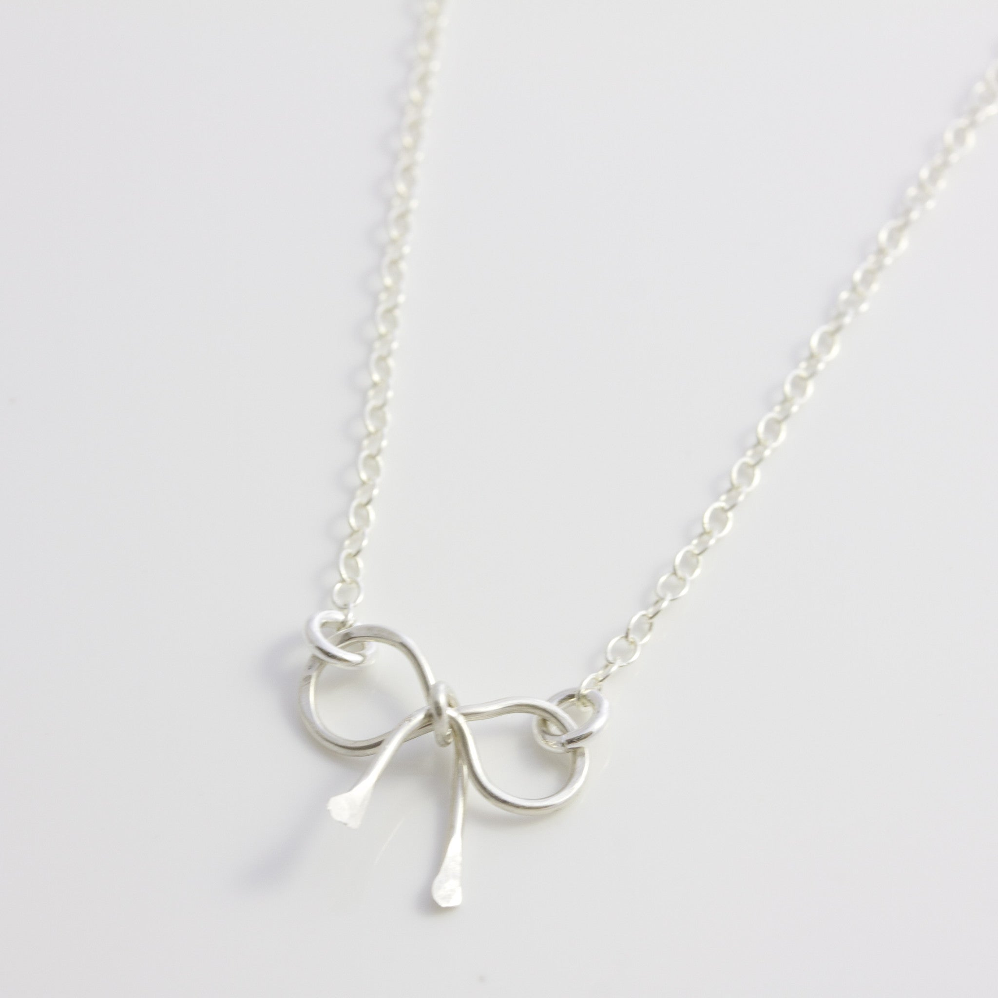 freswater mixed viena pearl white us bow necklace
