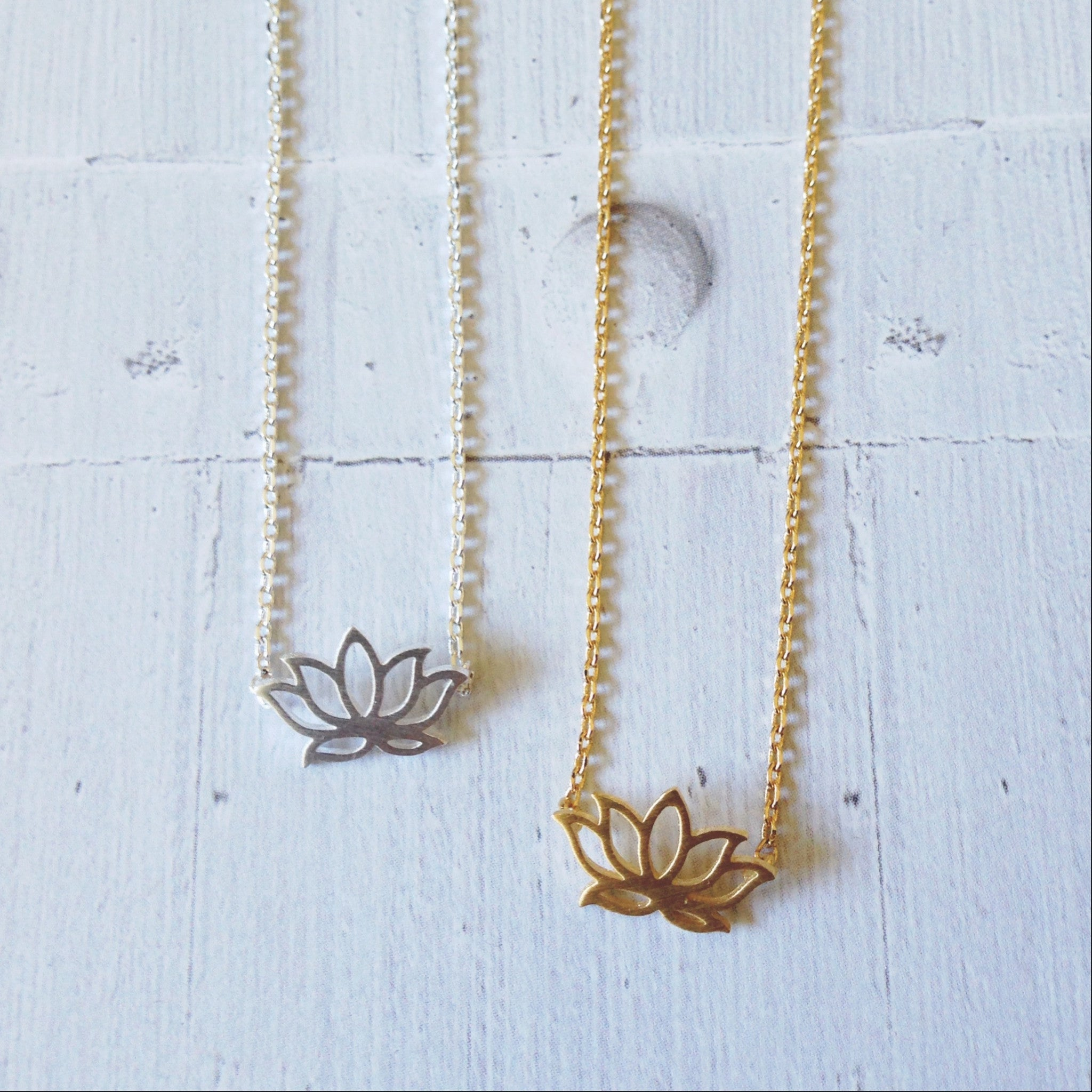 LOTUS -NECKLACE