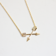 CRISS CROSS ARROW- NECKLACE
