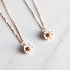 STERLING SILVER DAISY - Necklace