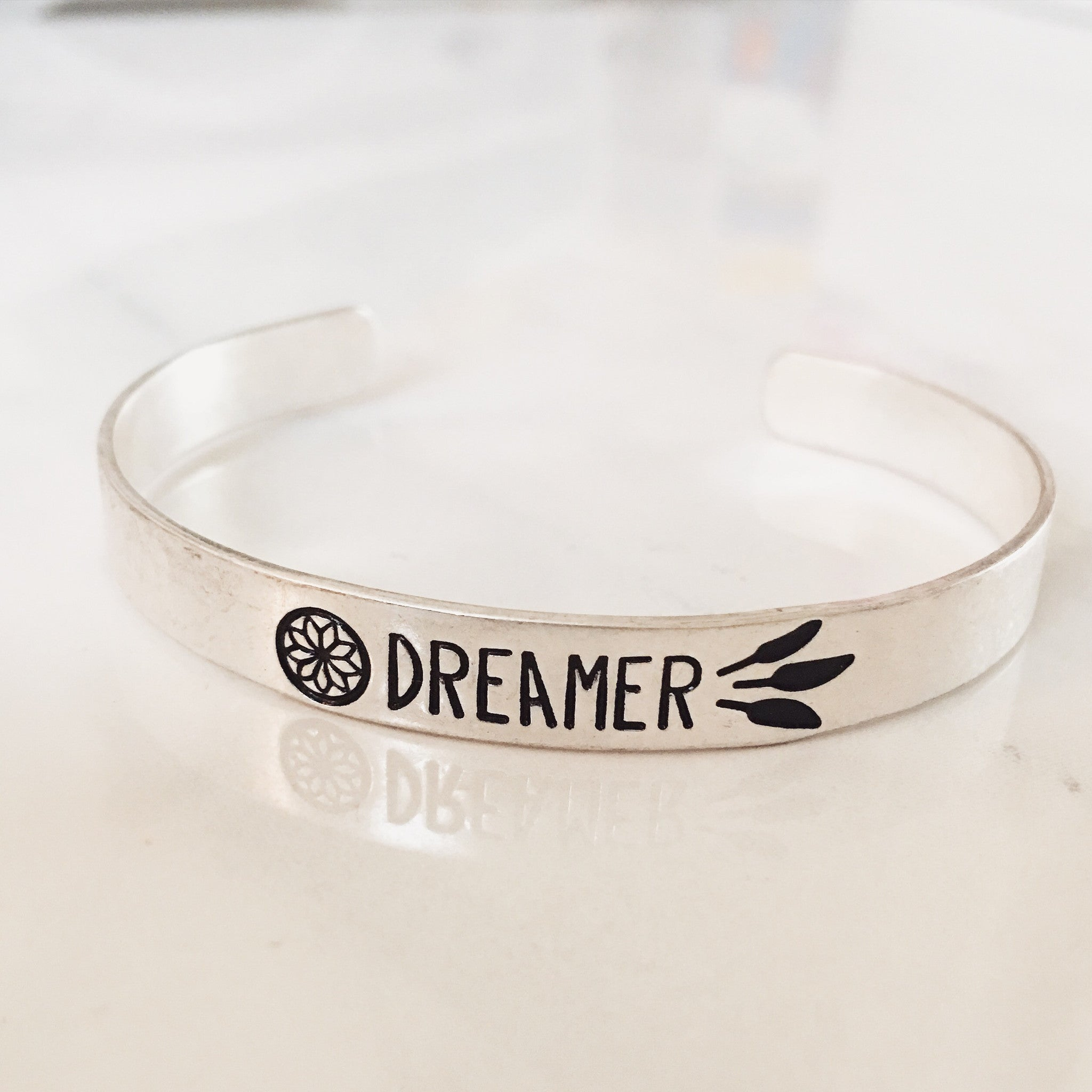DREAMER - Bangle