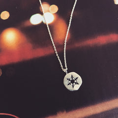 CUT OUT SNOWFLAKE - NECKLACE