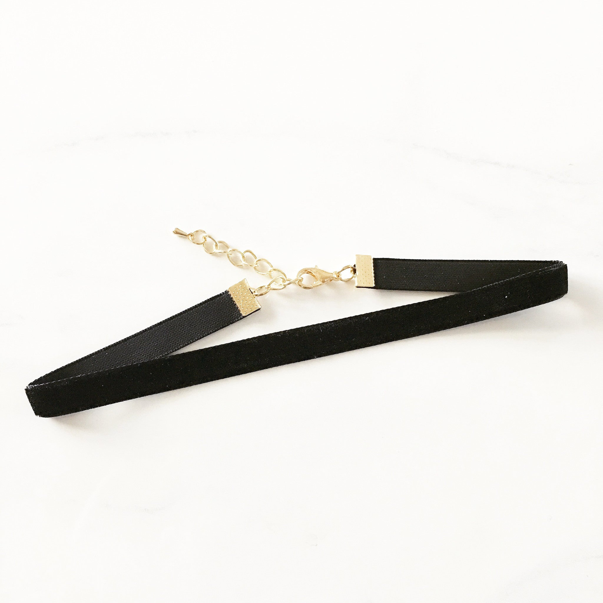 "5/8"" VELVET CHOKER -Necklace"