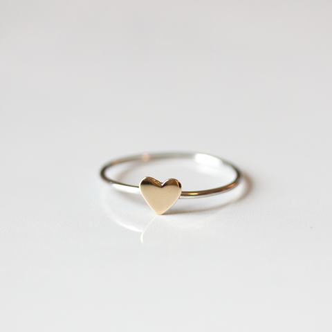 TINY BRONZE HEART - Ring