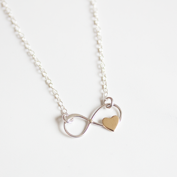 INFINITY WITH BRONZE HEART - Bracelet