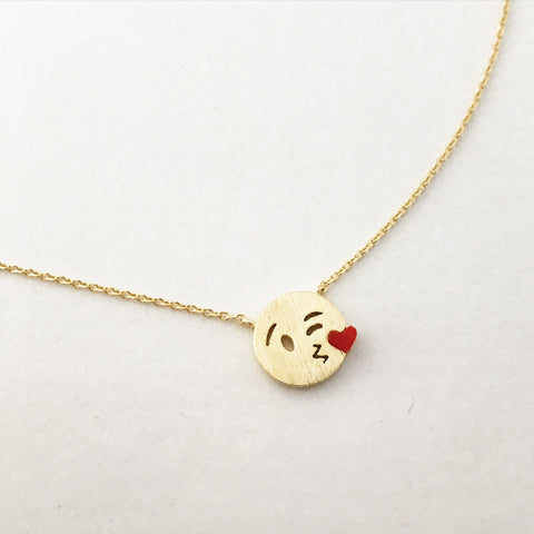 BLOWING KISS - Necklace