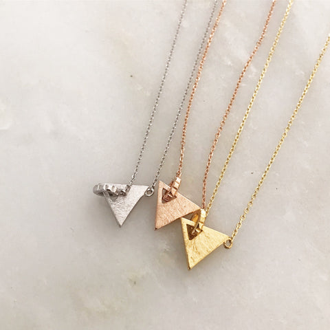 TRIANGLE CHAIN - Necklaces
