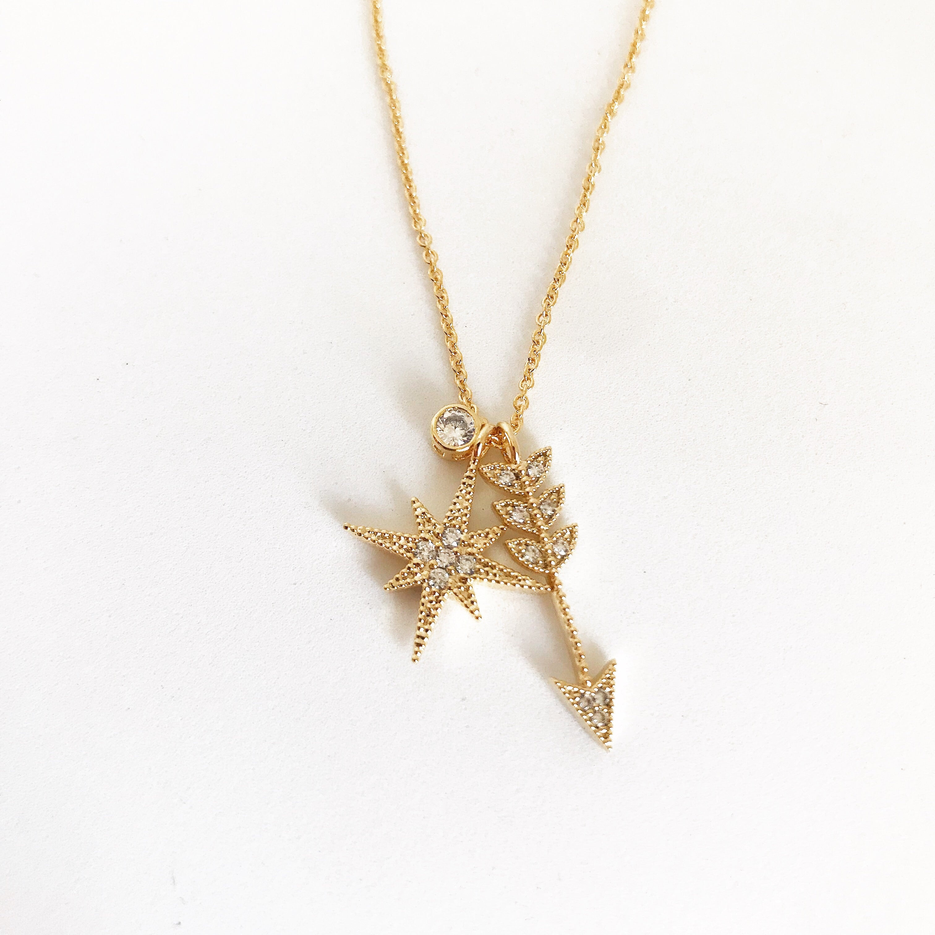CRYSTAL STARBURST ARROW - Necklace