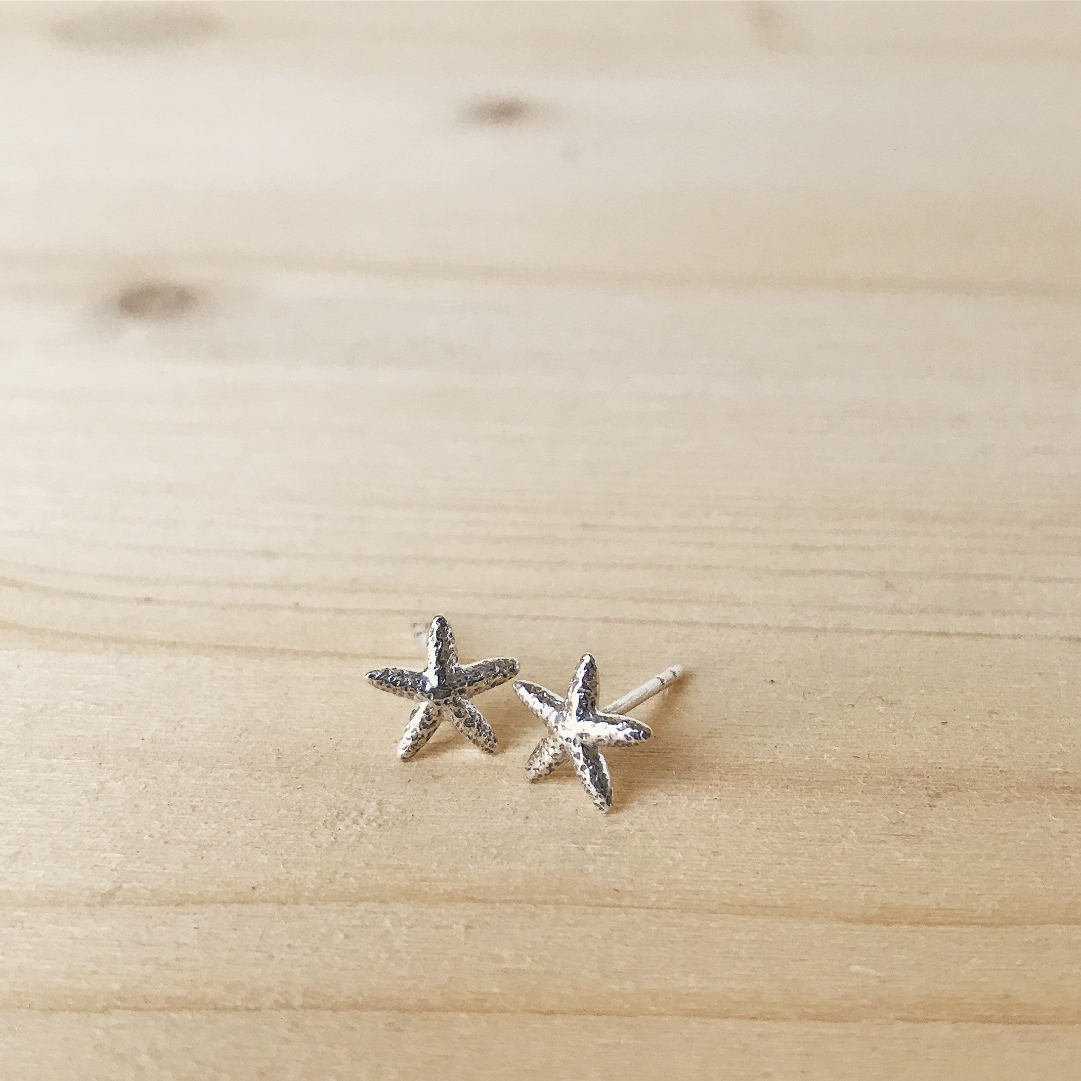 TINY STARFISH - EARRINGS