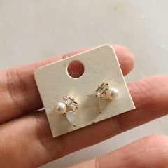TINY TRIO STONE - Earrings