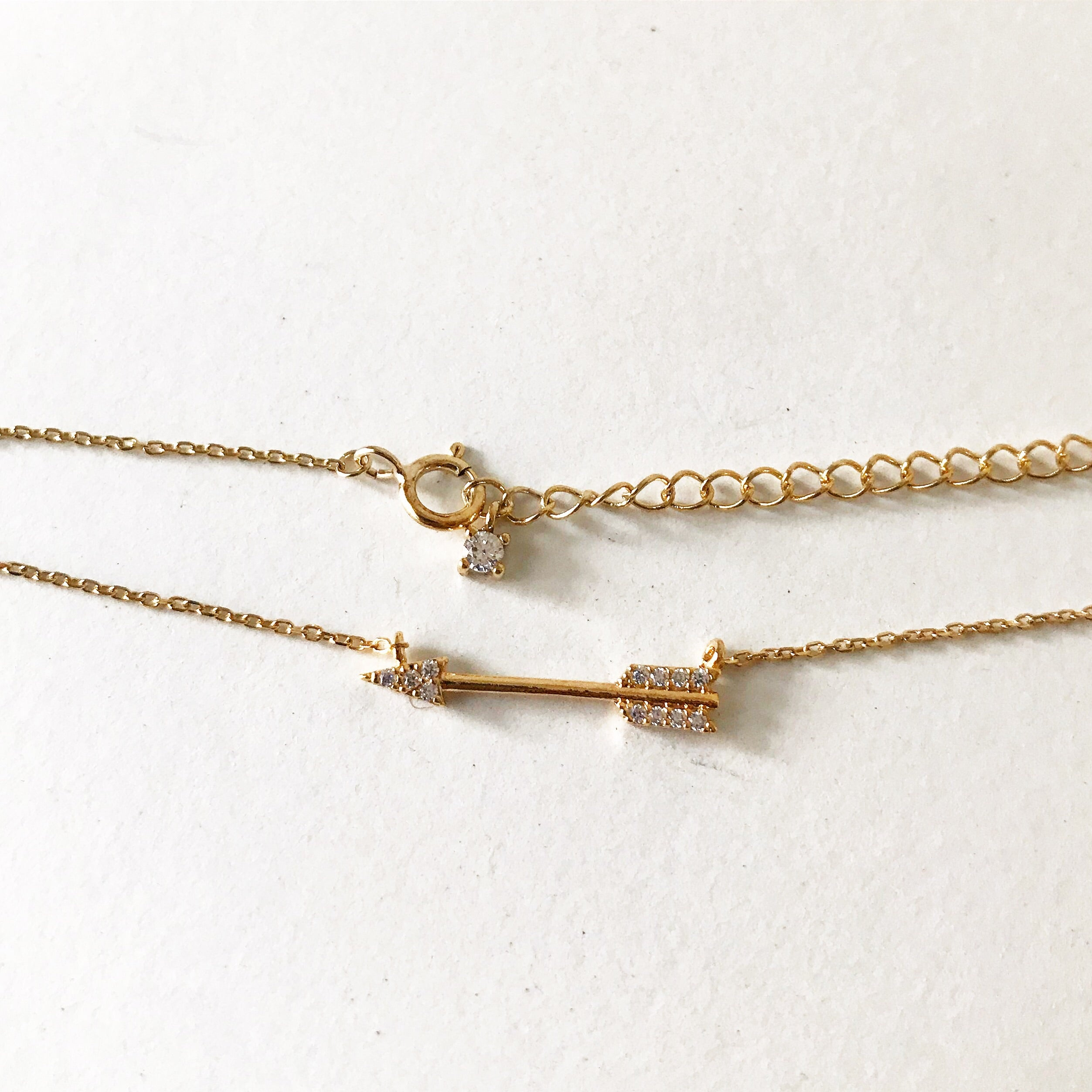 PAVE ARROW -Bracelets
