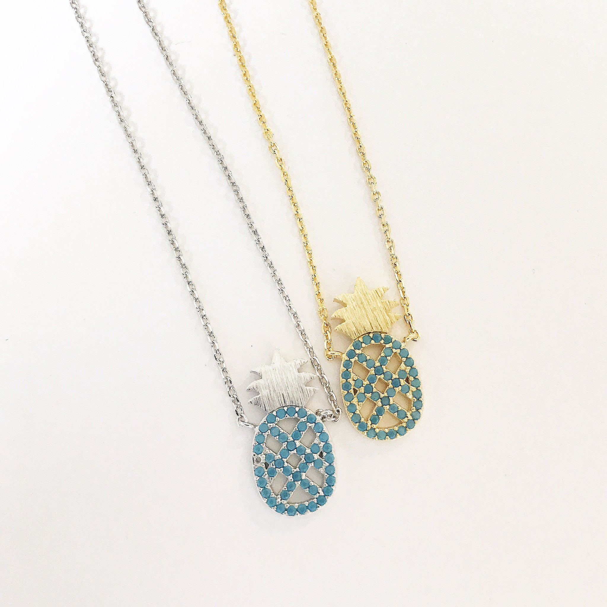 TURQUOISE PINEAPPLE - Necklace