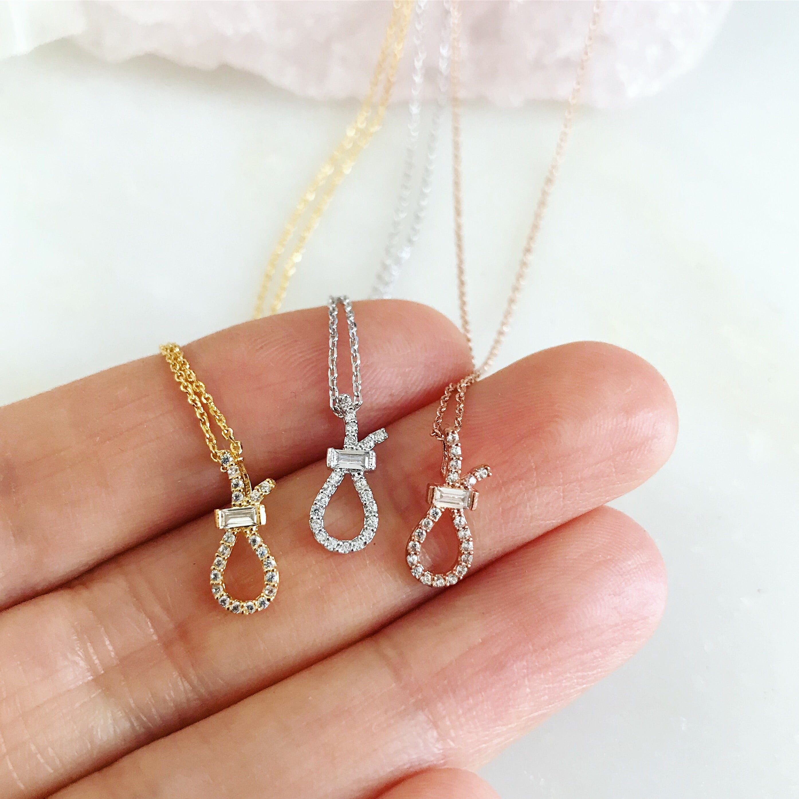 PAVE RIBBON -Necklace