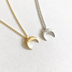 TINY DOUBLE HORN - Necklace