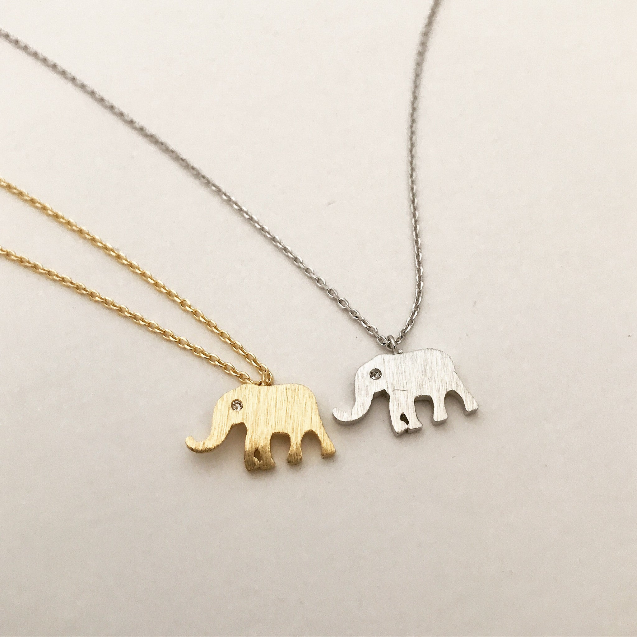 SPARKLE EYES ELEPHANT -Necklace