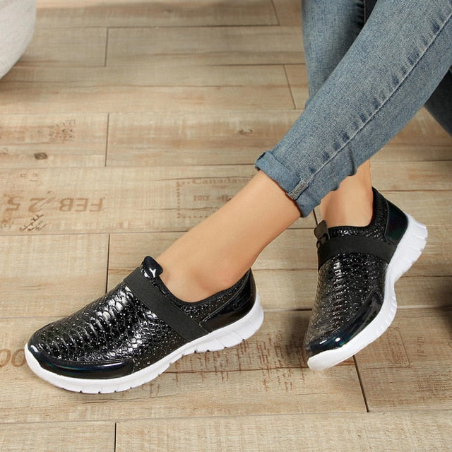 Size 36-42 Women Breathable Sports Shoes Anti-skid Sport Walking Shoes Outdoor Flats Autumn Winter Female Light Loafers Shoes