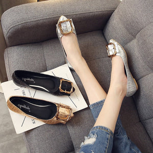 2018 women's spring and autumn pointed toe metal buckle flats leather Casual shoes MN5