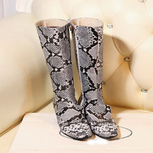 Load image into Gallery viewer, Xiniu Newest Women Snake Stitching Keep Warm Shoe Round Toe Plus Velvet Flat Short Boots