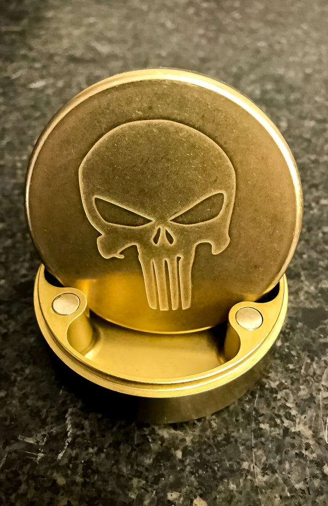 Hogdoggins PocketPuck (Naval Brass) 1