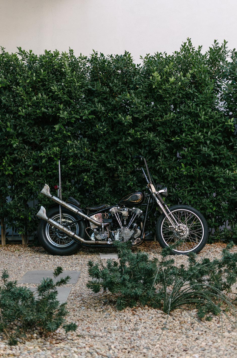 Paradise Roadshow 2020 - Custom made motorbike with extended exhaust