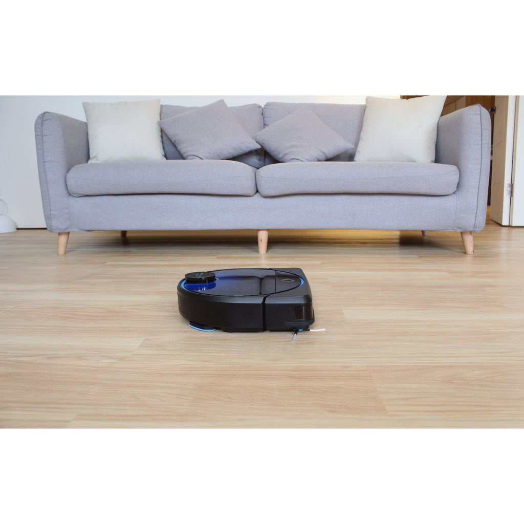 hobot legee 7 cleaning floor