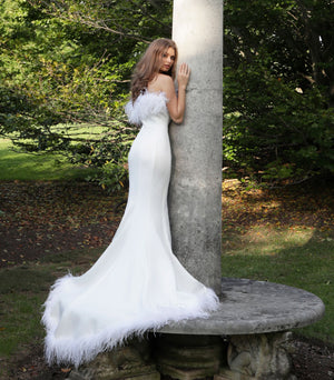 White Feather Neckline Strapless Mermaid Wedding Dress
