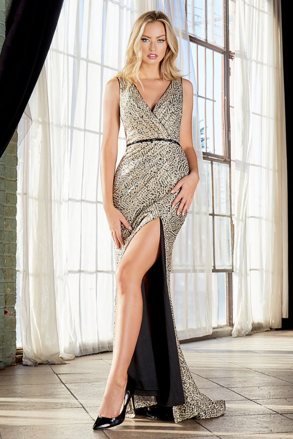 C31 Slim fit dress with rosette applique finish and leg slit.