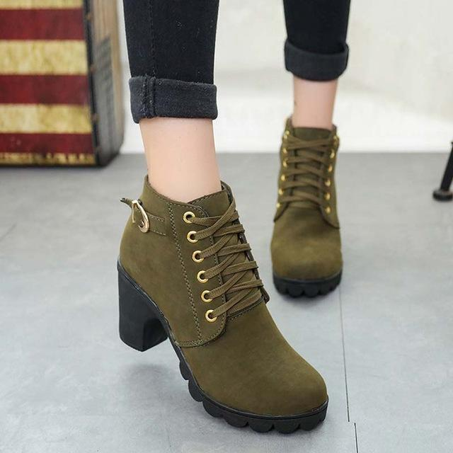 The Flat Heel Women Boots
