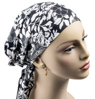 Pre-Tied Short Scarf - Black and White