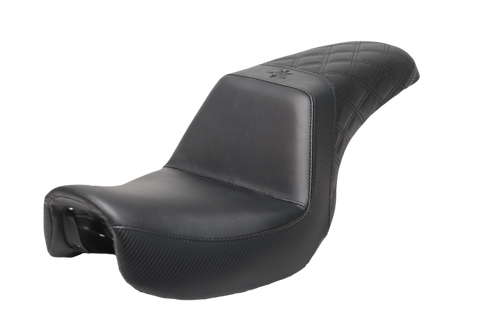 06-17 Dyna Black Carbon Diamond Seat