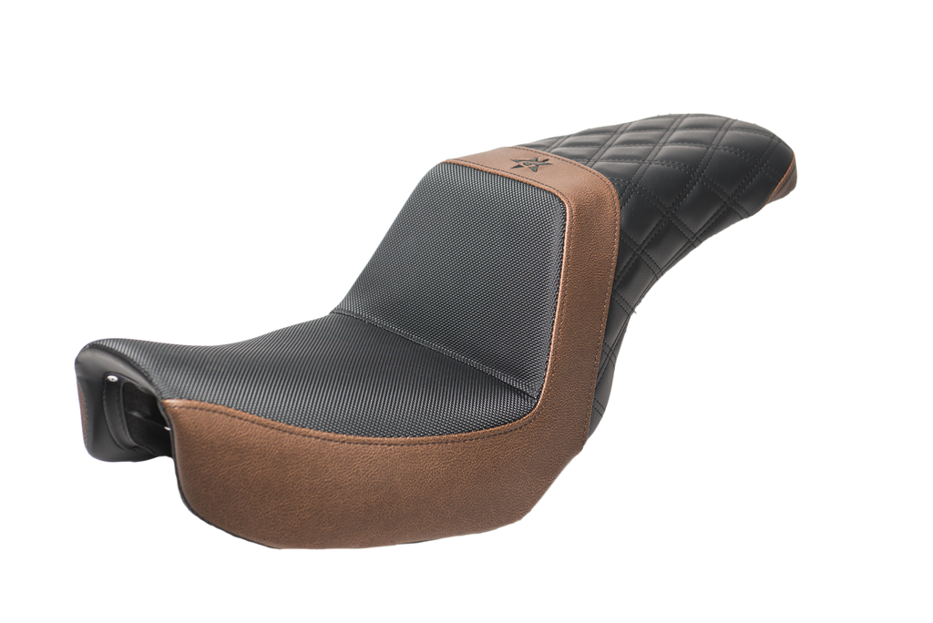 06-17 Brown & Black Diamond Dyna Seat