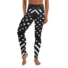 Load image into Gallery viewer, Black and white Yoga Leggings
