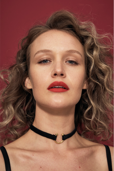 CLEA Chocker collar