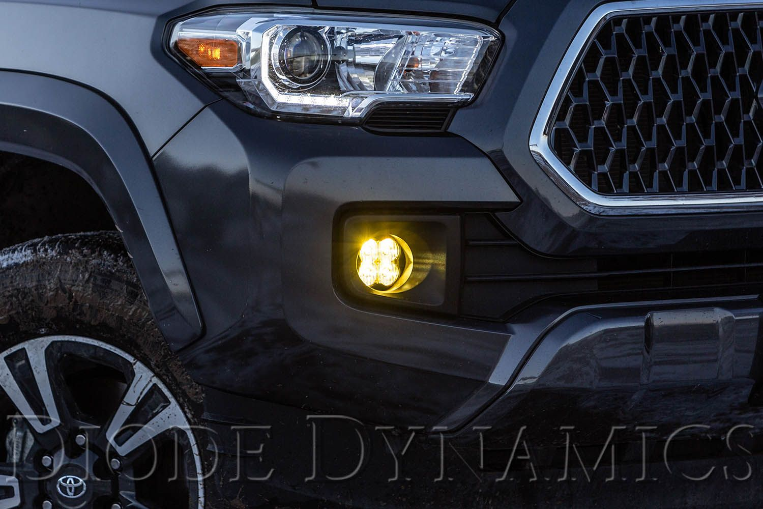 SS3 LED Fog Light Kit - Toyota Tacoma 3rd Gen 2016-2020 - 4x4 Runners