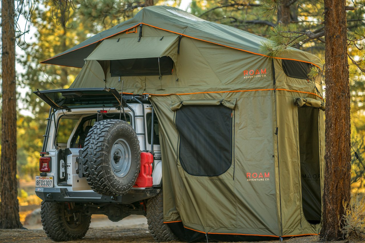 Roam Adventures - THE VAGABOND XL ROOFTOP TENT - 4x4 Runners