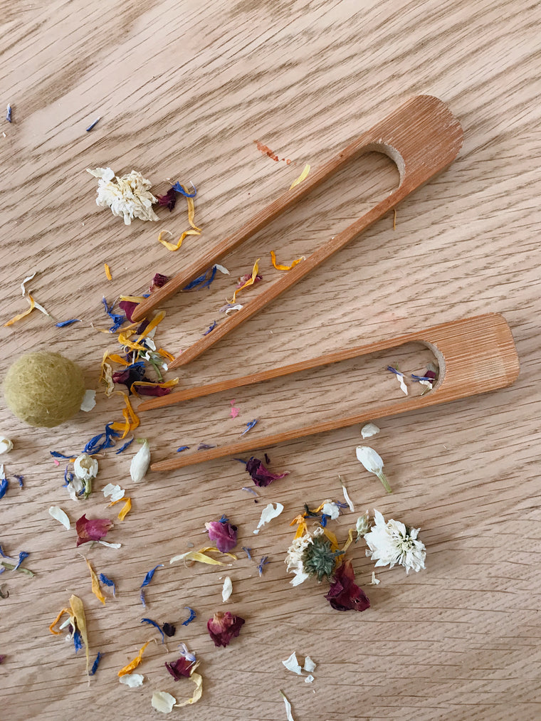 Mini bamboo tongs | sensory