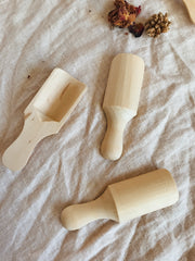 Raw timber loose parts scoop