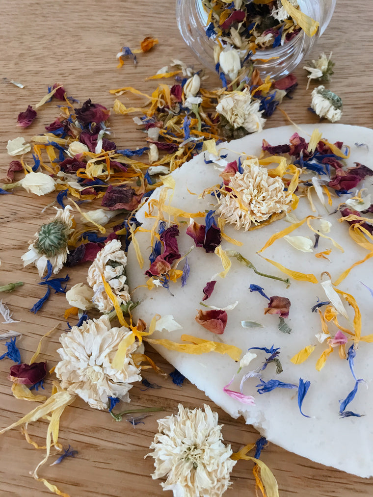 ❀ dried flower sprinkles | loose parts play ❀❀❀