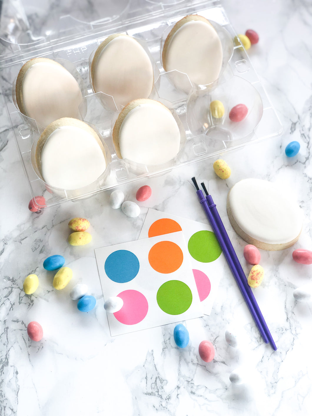 Paintable egg kit