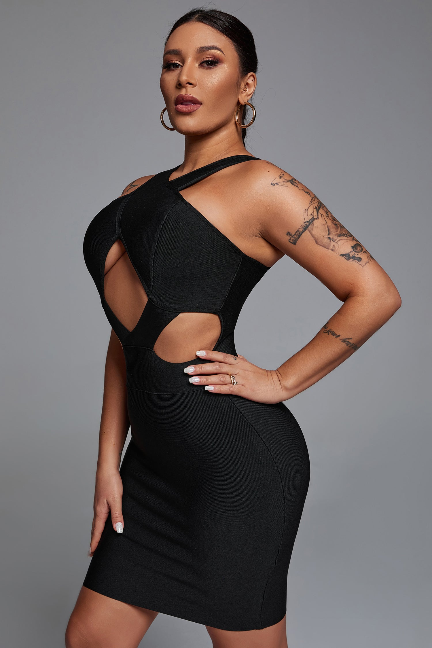 Cross Front Cut Out Bandage Dress In Black