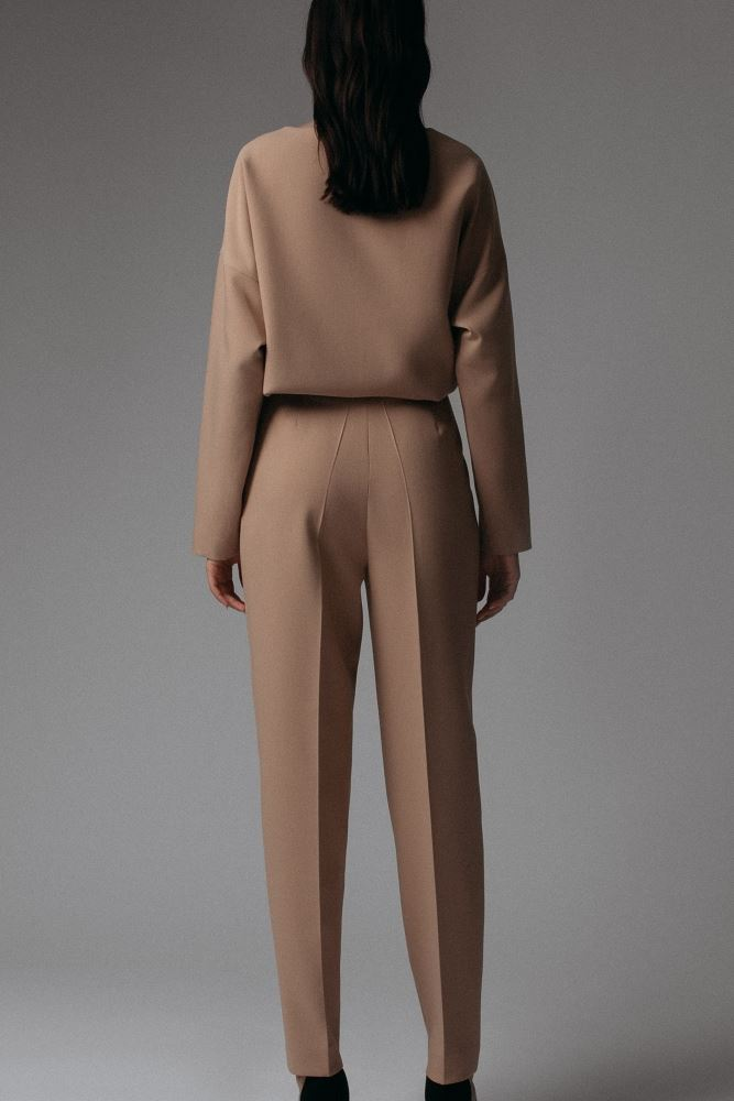 Edyta Sweatshirt and Trousers Set In Brown -- Bellabarnett
