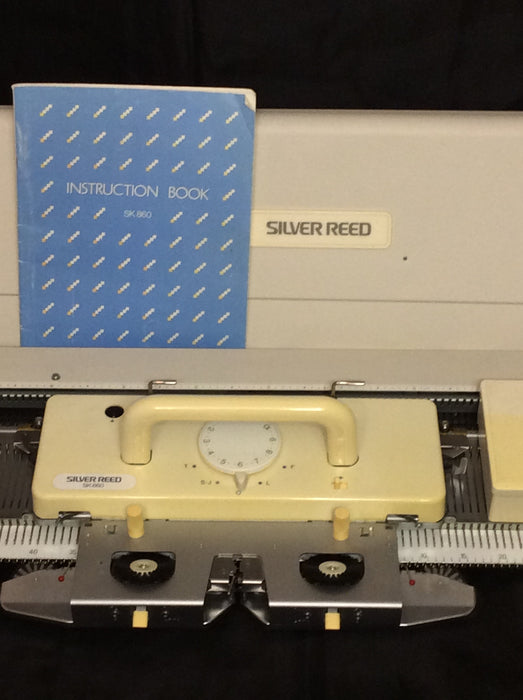Silver Reed Electronic Knitting Machine SK 860 + EC1 Pattern & PE1 Design Controllers - machine4u - 1