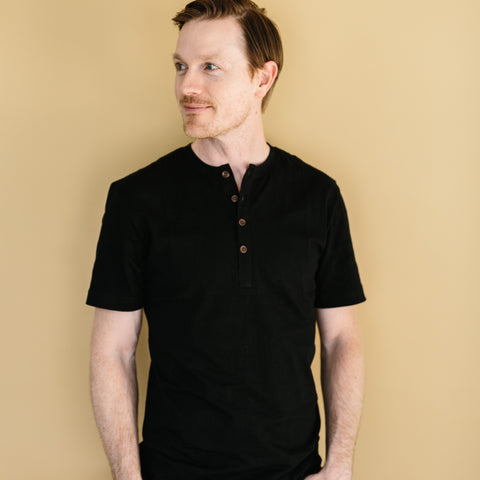 The Short Sleeve Henley - Black