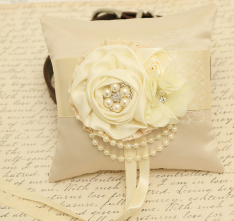 Ivory Ring Pillow attached to Dog collar, Dog ring bearer , Wedding dog collar