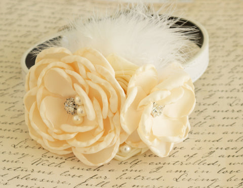 Ivory Floral dog collar, Pet wedding accessory, flowers with Pearls and Rhinestone