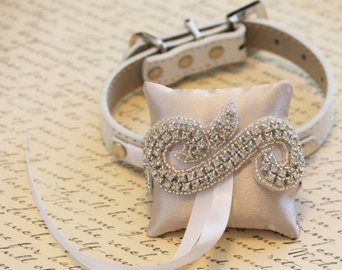 Ivory Ring Pillow for dogs, Chic, Cute Ring pillow attach to the High quality Leather Collar, Wedding Dog Accessory , Wedding dog collar