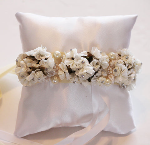 White Ivory Pillow Ring for Dogs, Ivory White Flowers on White Pillow, Wedding Dog Accessory, Ring Bearer Pillow
