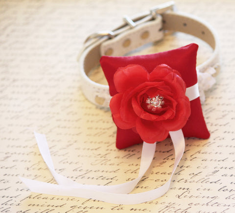 Red Ring Pillow for dogs, Cute Chic Ring Pillow attach to the High quality Leather  Collar, Ring Bearer Pillow, Proposal Idea