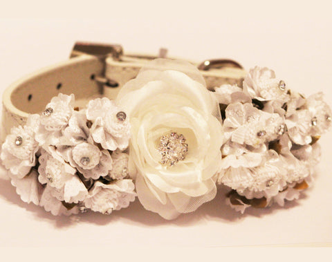 White Floral Dog Collars, Pet wedding, white floral wedding ideas