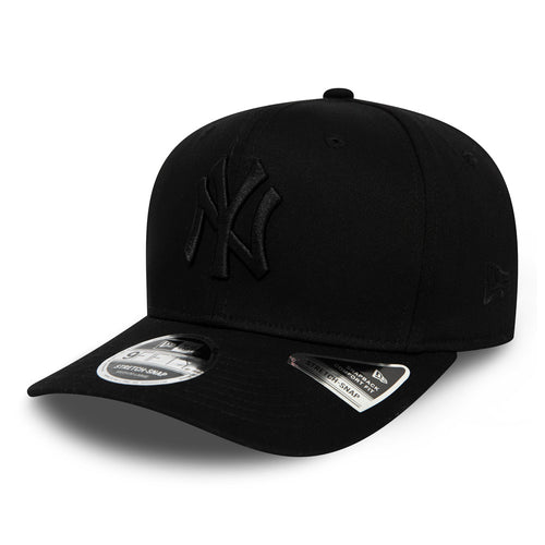 New York Yankees Blackout 9FIFTY Stretch Snapback